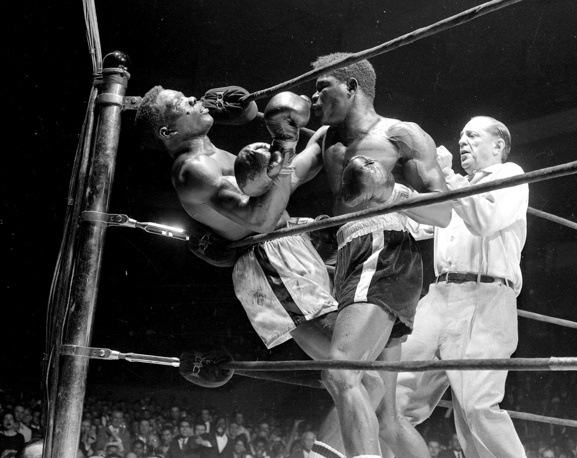 Griffith knocks out Paret